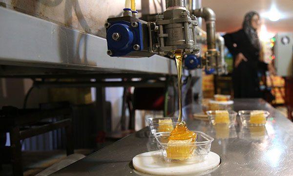 کارگاه کوچک بسته بندی عسل